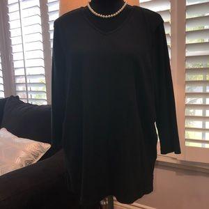Black pull on 3/4 sleeve top